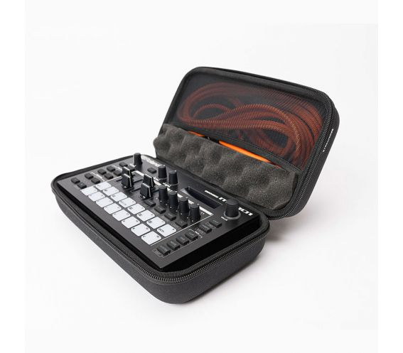 Magma CTRL Case Roland MC-101